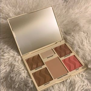 COVER FX Makeup - Cover FX Perfector Face Palette in Light Medium